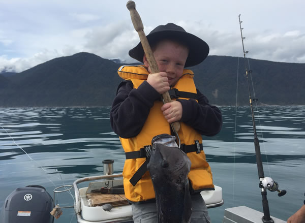 Next generation holding fish